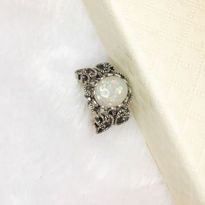 Jewelry - 18k white gold filled ring size 8